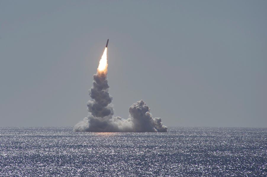 アメリカ海軍 2020年初となる潜水艦発射弾道ミサイル発射試験を実施