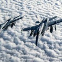 アメリカ海軍 複数の無人E/A-18Gを1機のE/A-18…