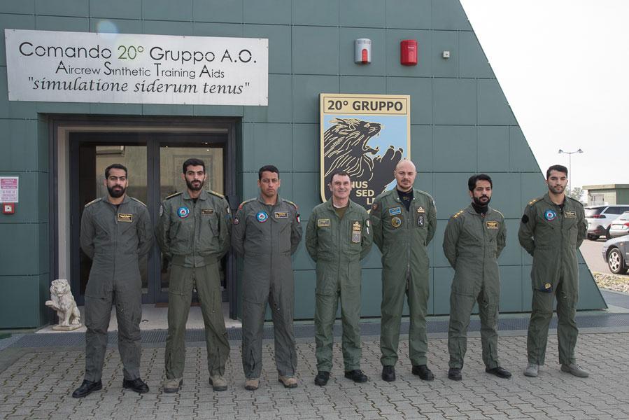 クウェートの戦闘機パイロットはイタリアで育つ 教育の軍事国際交流