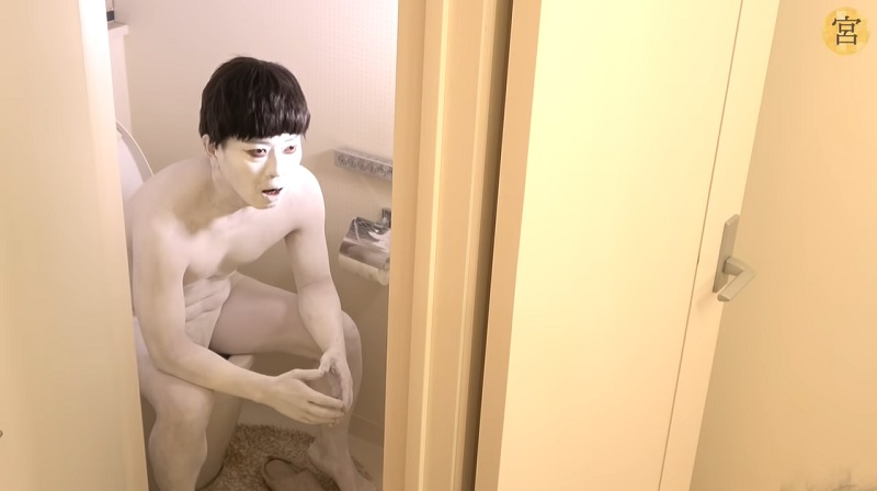 宮迫博之が伝説のコント「呪怨くん」をYouTubeで復活 DJ社長も友情出演