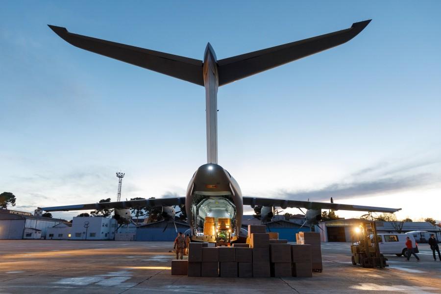 エアバスA400M 新型コロナウイルスに苦しむスペインにマスクを空輸