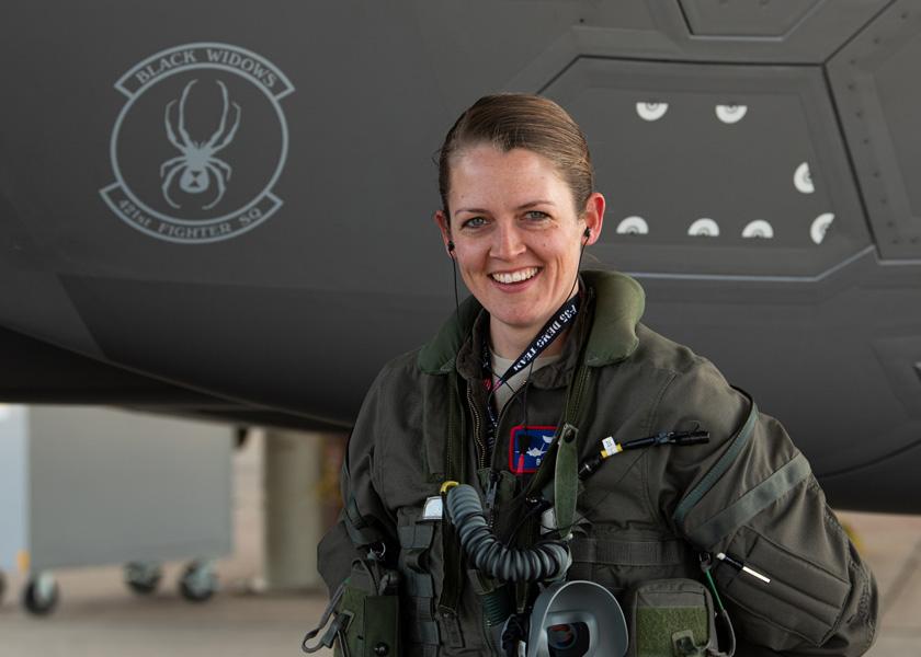 2代目は女性パイロット! アメリカ空軍F-35Aデモンストレーションチーム