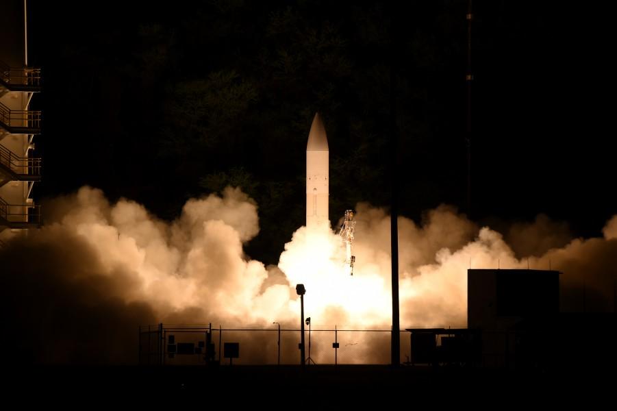 アメリカ軍 極超音速兵器の実射試験に成功