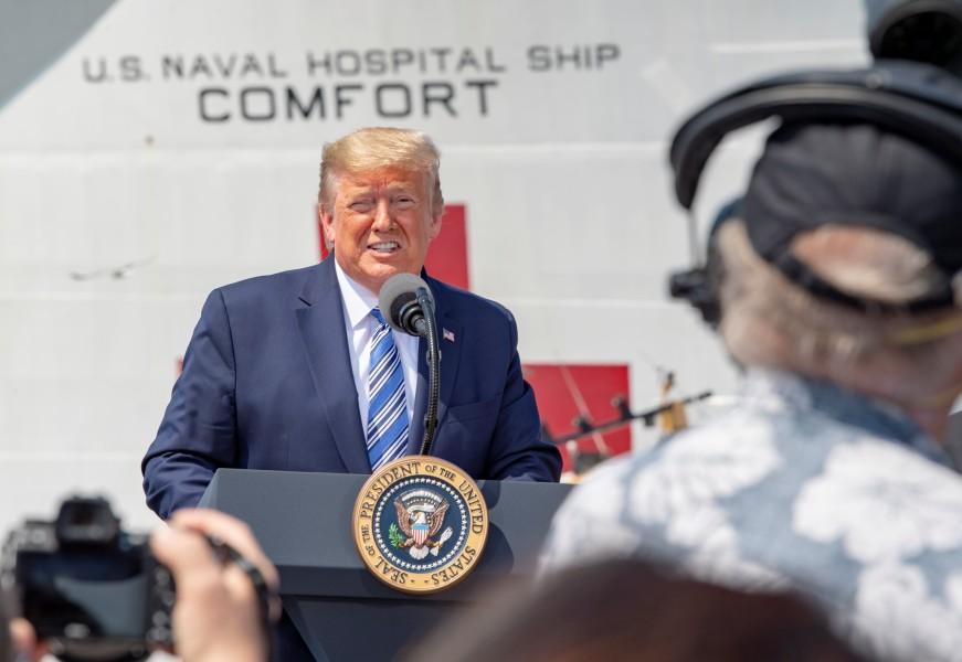 新型コロナウイルス アメリカ海軍の病院船2隻がフル稼働