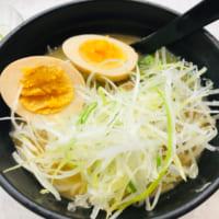かっぱ寿司のラーメン海鳴監修「魚介とんこつラーメン」を食べて…