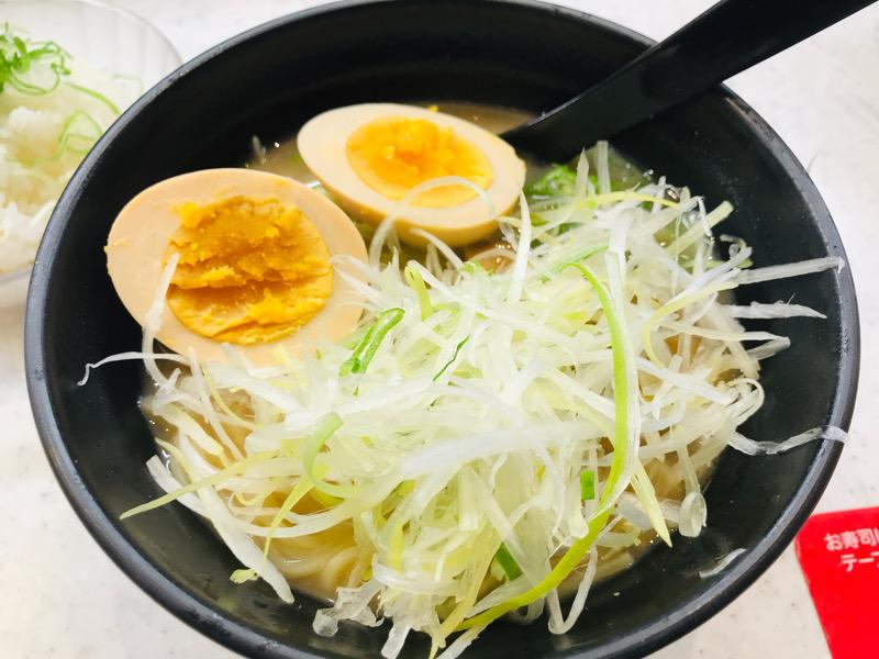 かっぱ寿司のラーメン海鳴監修「魚介とんこつラーメン」を食べてみた