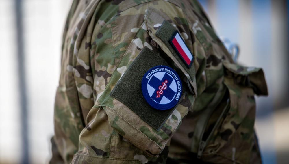 ポーランド軍 医師不足に苦しむアメリカに軍医チームを派遣