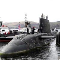 イギリス新鋭潜水艦オーディシャス メーカーから受領し母港へ…