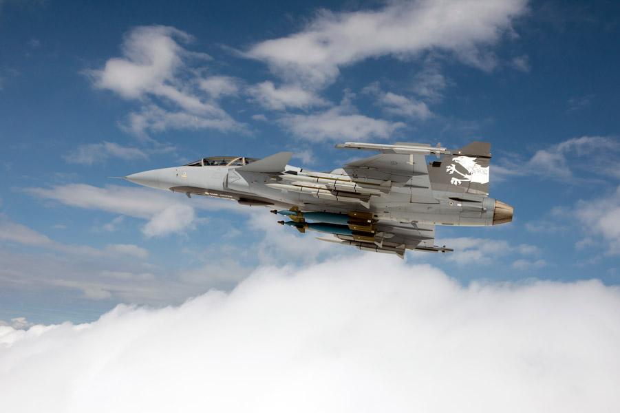 サーブ 戦闘機用新型Xバンドレーダーの第1回空中試験終了