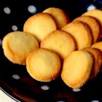 材料3つ 揉んで切って焼くだけ! 簡単すぎるバタークッキーが…
