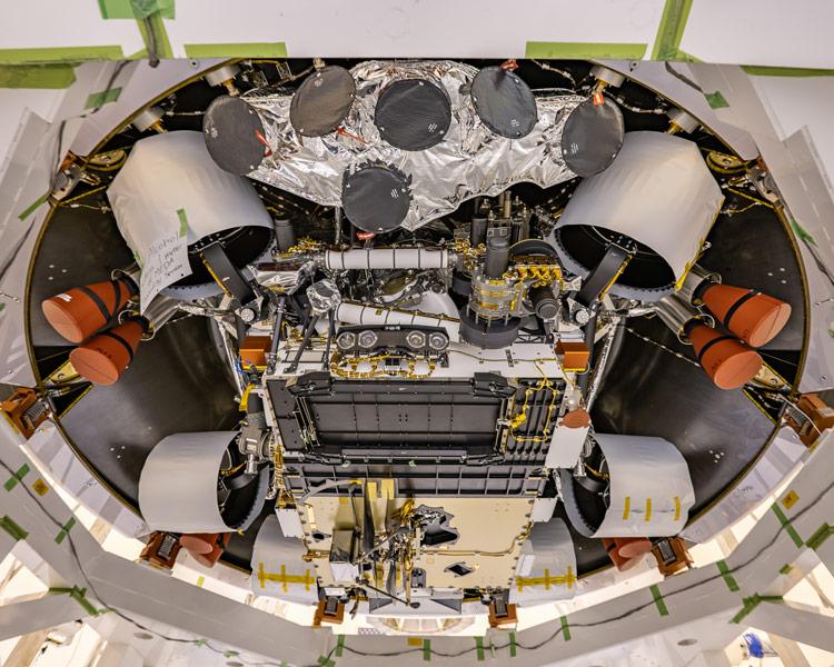 NASA火星ローバー「パーセベランス」降下ステージに収納完了