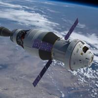 月面着陸を目指すNASAのオリオン宇宙船3号機 機械船をエア…