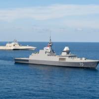 アメリカ海軍 中国が進出を強める南シナ海でシンガポール海軍…