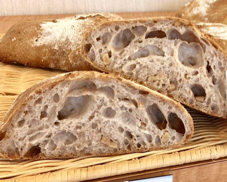 パン屋さん直伝 冷凍パンを外カリっ!中フワっ!に仕上げるライフハック