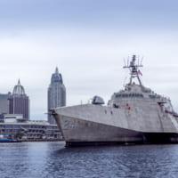 アメリカ海軍が沿海域戦闘艦オークランドを受領 艦…