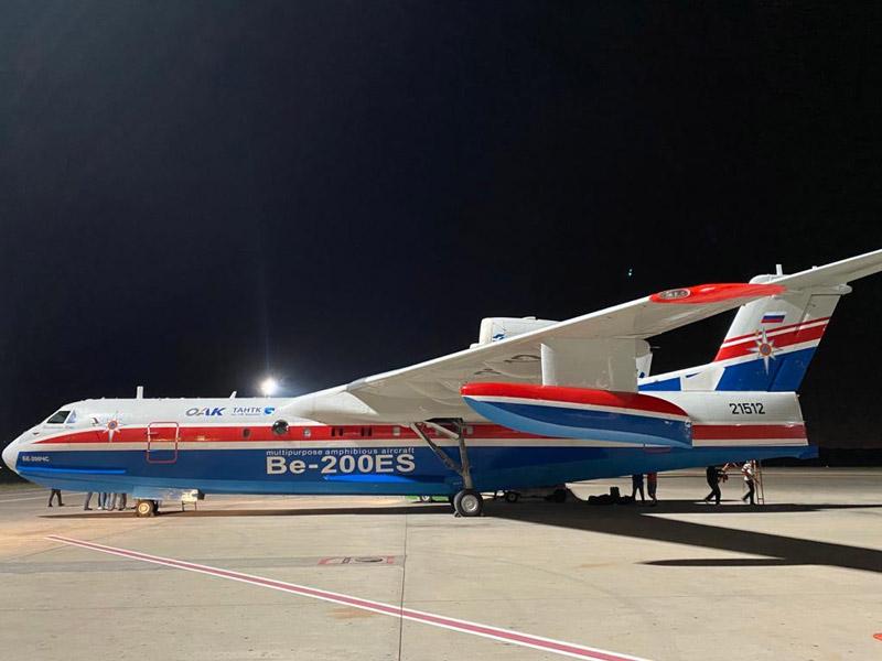 ロシアの消防飛行艇がトルコの森林火災消火任務を開始