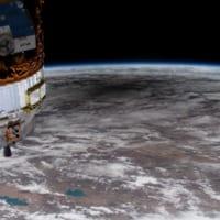 宇宙からだと原理がよく分かる 国際宇宙ステーションから見た日食
