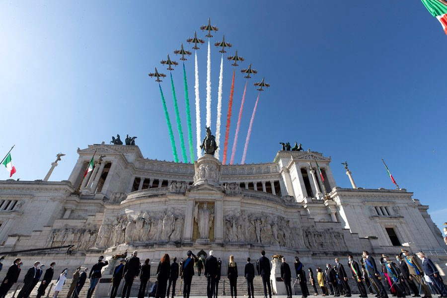 イタリア空軍曲技飛行隊 イタリア全土を巡る応援ツアーが首都ローマで完結