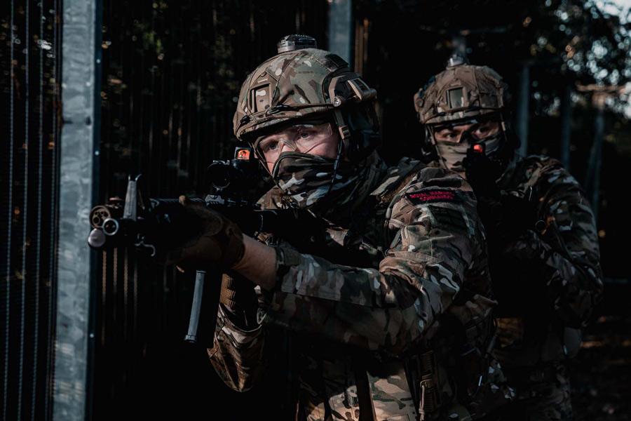 イギリス海兵隊コマンドー部隊 マルチカムの新迷彩戦闘服を導入