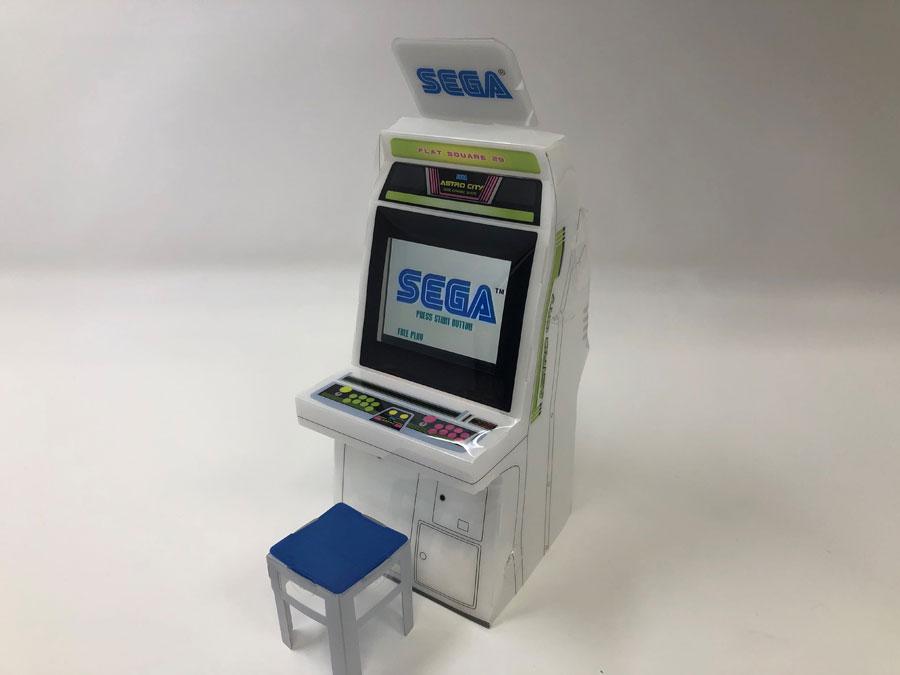 90年代ゲームセンターを席巻した「アストロシティ」筐体がスマホスタンドに 「セガのたい焼き 秋葉原店」で販売
