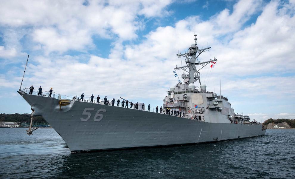 民間船と衝突し損傷したアメリカ駆逐艦マケイン 修復を終え戦列復帰