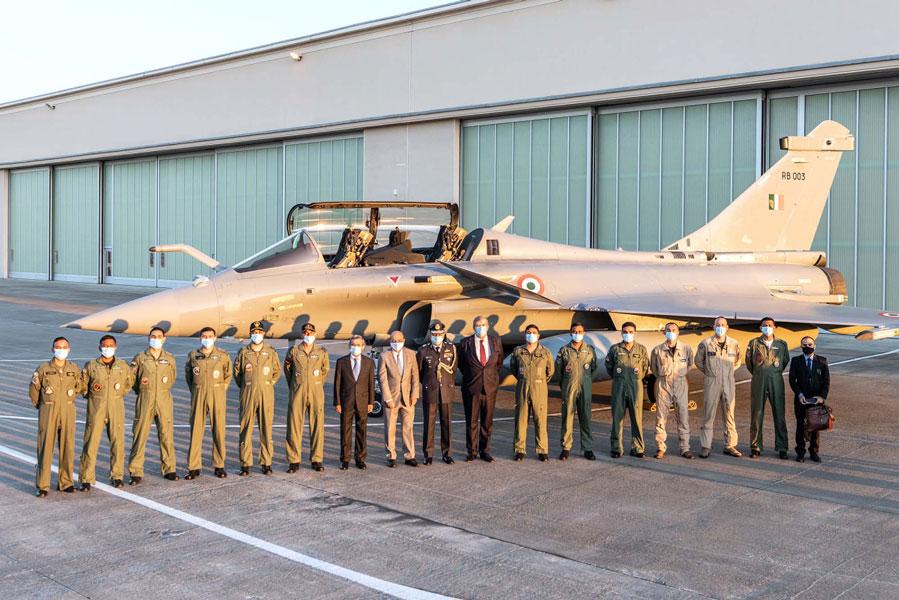 インド空軍ラファール第1陣が新型コロナウイルス用医療物資とインドへ移動