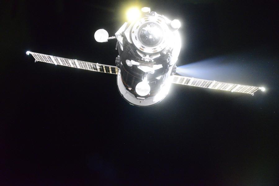 ロシアのプログレスMS-15補給船 国際宇宙ステーションへ最速記録でドッキング