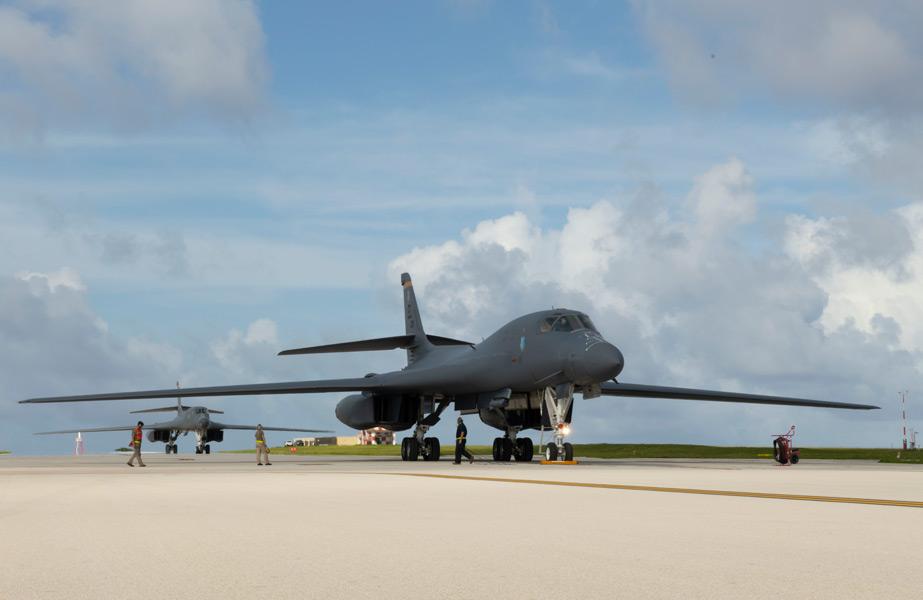 航空自衛隊戦闘機 アメリカ空軍B-1B爆撃機と共同訓練