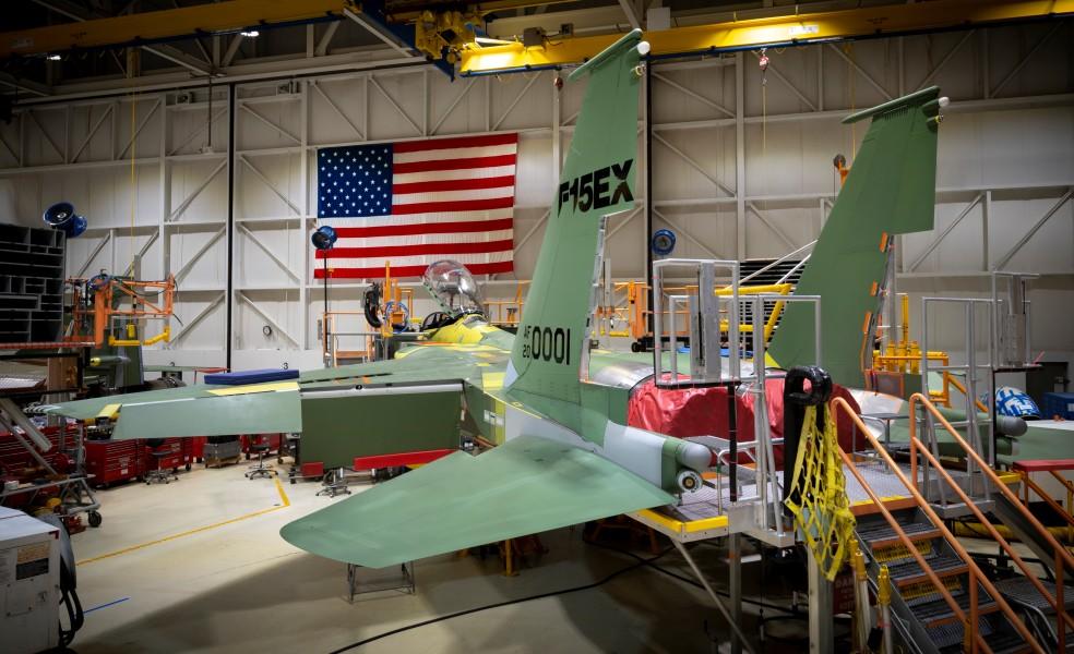 アメリカ空軍 F-15の最新版F-15EXを正式発注