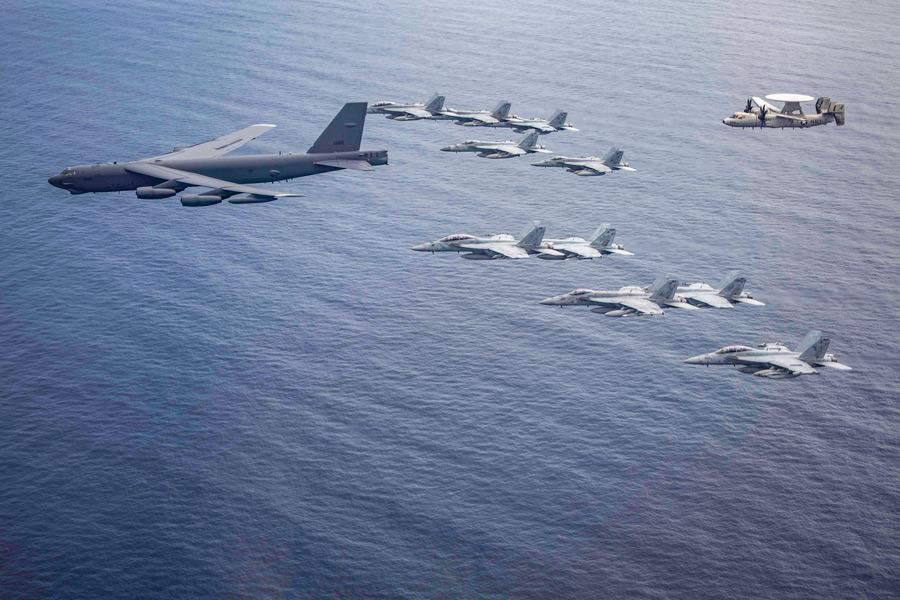 アメリカ 南シナ海での中国軍事演習を非難しつつ同日程で海空軍の共同訓練実施