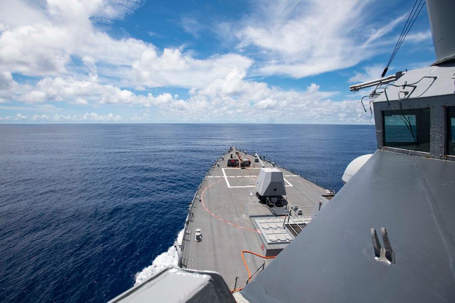 アメリカ駆逐艦ラルフ・ジョンソン 南沙諸島で「航行の自由作戦」遂行