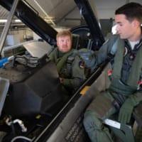 オランダ国王 空軍F-16の飛行訓練に参加