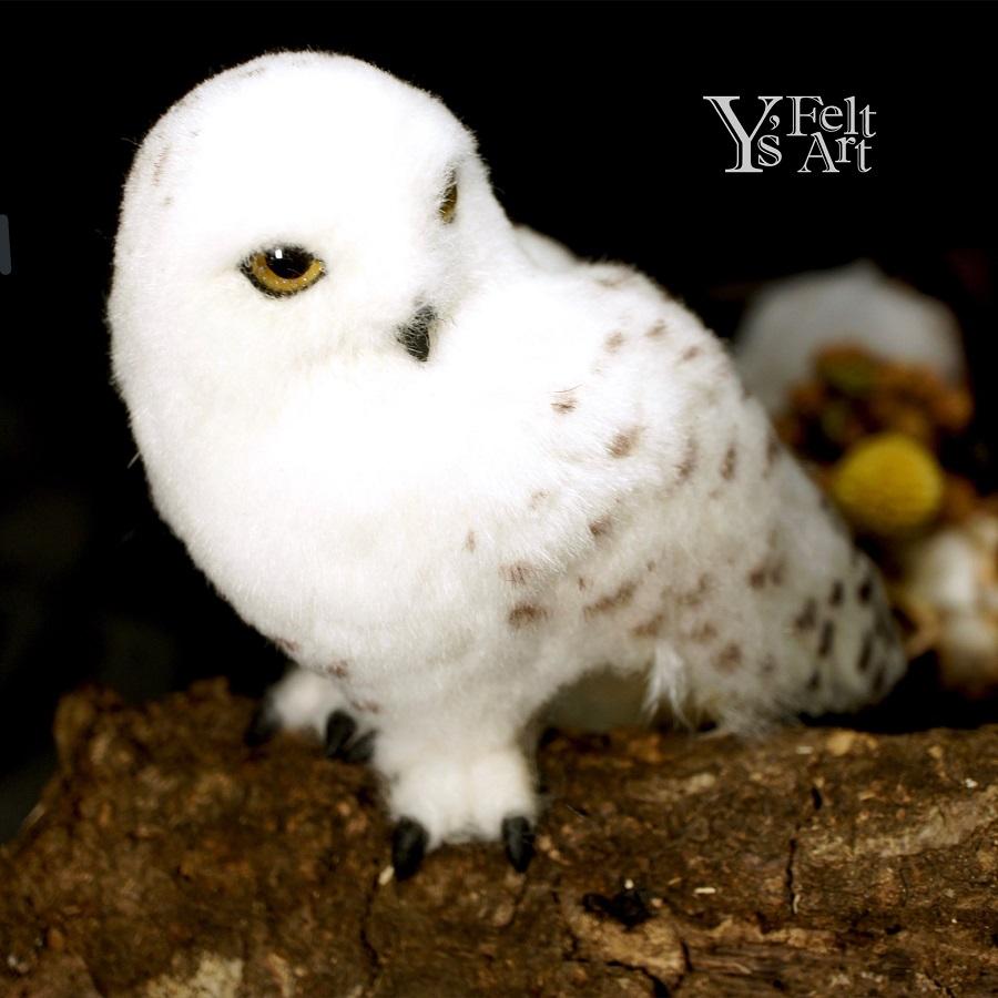 本物かと思った……! 羊毛フェルトでできたシロフクロウが息をのむ美しさ