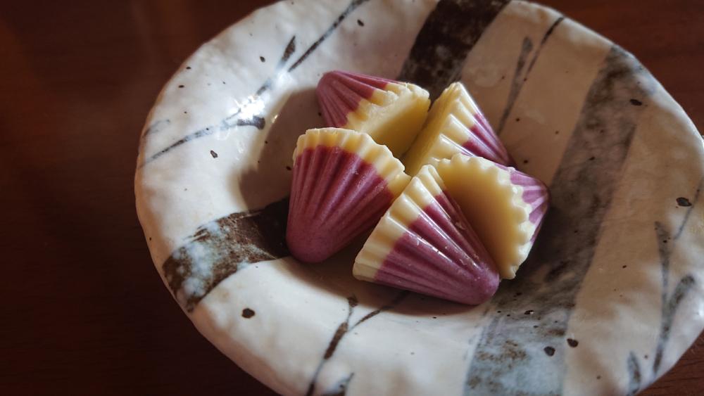 口の中に溢れる2つのベリー! アポロダブルベリーヨーグルトを食べてみた