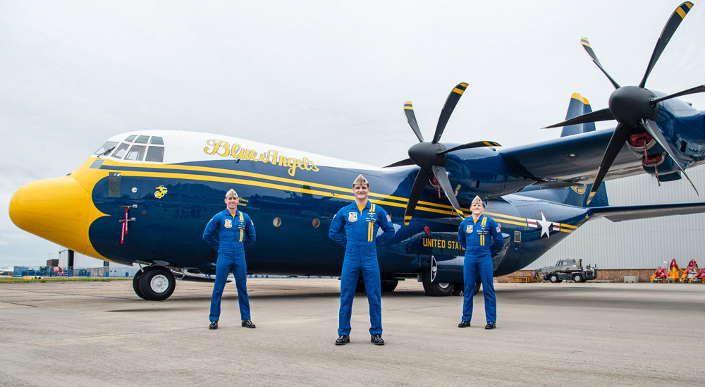 イギリス空軍から移籍!アメリカ海軍ブルーエンジェルズの新「ファットアルバート」