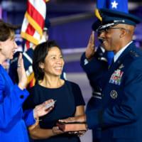アメリカ空軍初の黒人参謀総長 CQブラウン大将就任