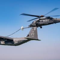 アメリカ空軍新型捜索救難ヘリHH-60W 空中給…
