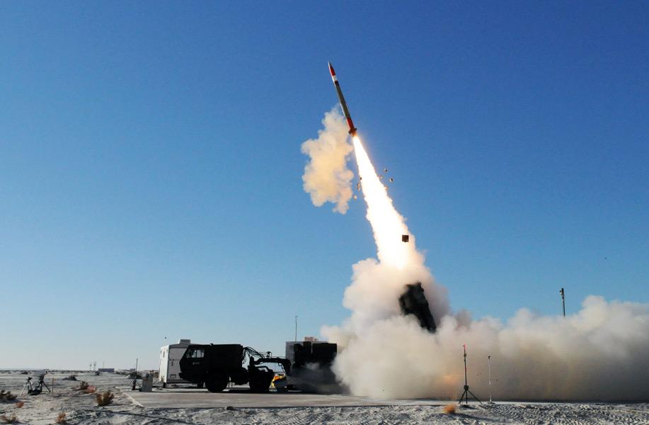 アメリカ陸軍次期防空システム ミサイル捕捉迎撃試験に成功