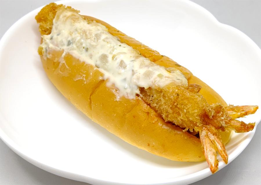 溢れるエビフライが魅力的 ミニストップ「海老フライロール」を食べてみた