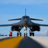 航空自衛隊F-15 日本海でアメリカ空軍B-1Bと共同訓練