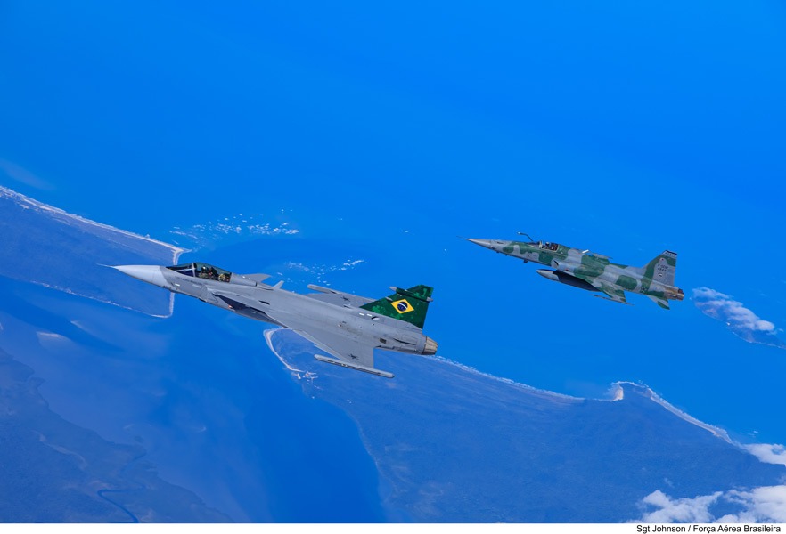 ブラジル空軍向けグリペンE ブラジルでの初飛行