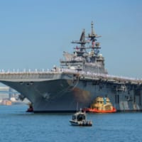 アメリカ最新強襲揚陸艦トリポリ 習熟航海を終え母港サンディエ…
