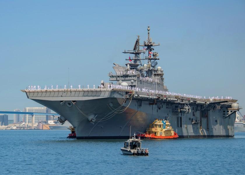 アメリカ最新強襲揚陸艦トリポリ 習熟航海を終え母港サンディエゴに到着
