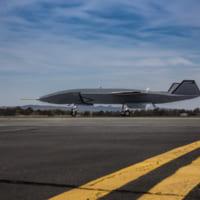 ボーイングの戦闘機連携ドローン「ロイヤル・ウィングマン」地上…