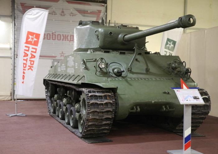 ロシアに供与されたM4シャーマン中戦車 撃沈された輸送船から引き揚げられ博物館へ