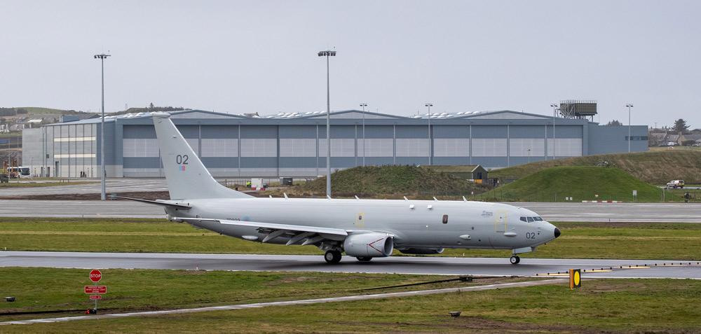 イギリス空軍ロジーマス基地運用再開 タイフーンはロシア機にスクランブル