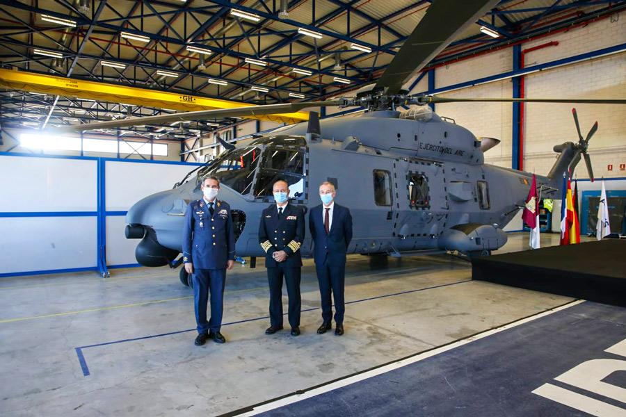 スペイン空軍 NH90捜索救難ヘリ1号機を受領