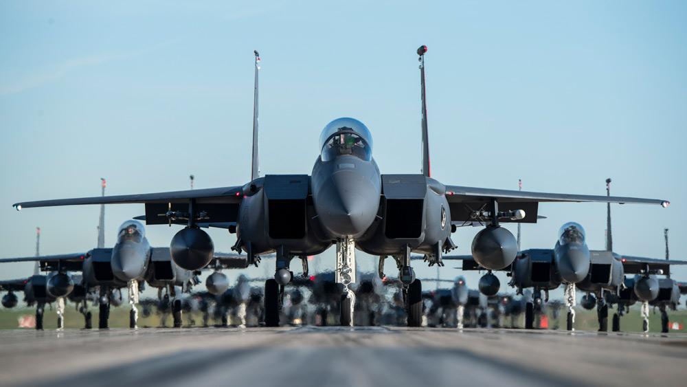 アメリカ空軍F-15E 新型精密誘導爆弾「ストームブレイカー」運用を承認