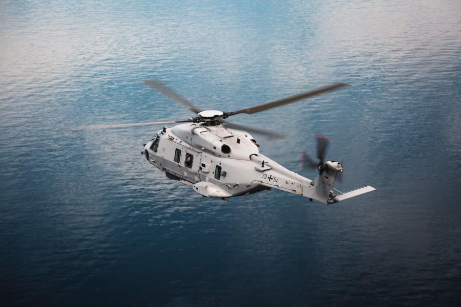 ドイツ海軍 新しい艦載ヘリコプターとしてNH90を発注