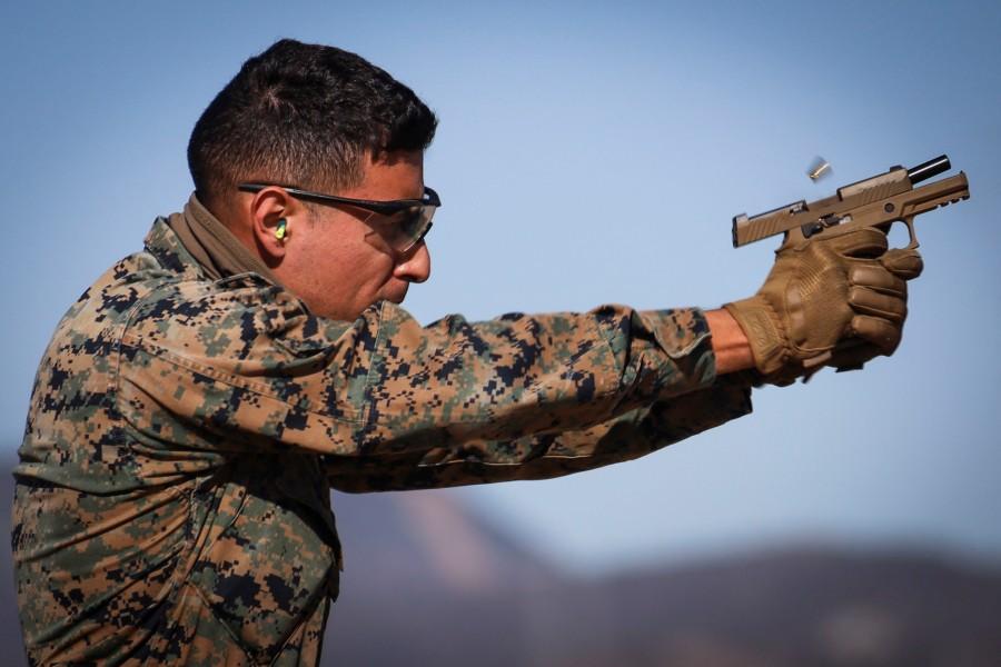 アメリカ海兵隊キャンプ・ペンドルトンで射撃競技会開催
